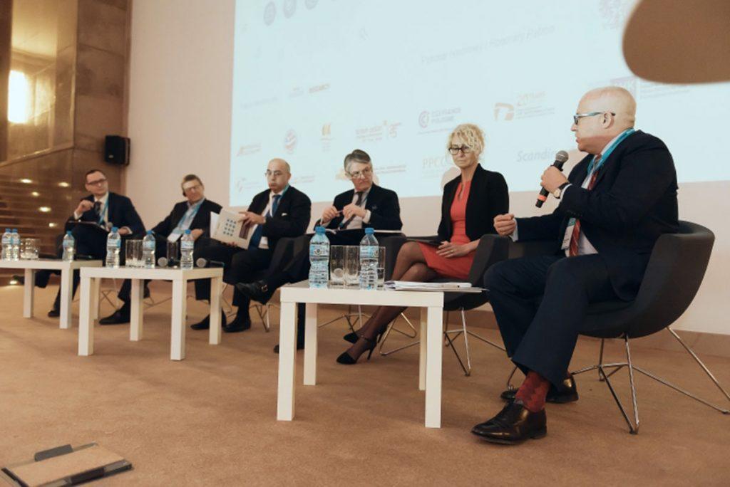 Wpływ bezpośrednich inwestycji zagranicznych nagospodarkę Polski