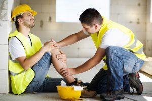 Wypadek przy pracy – kto zato zapłaci?