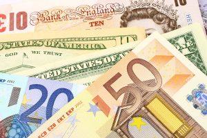 Jak unikać błędów przy wymianie walut?