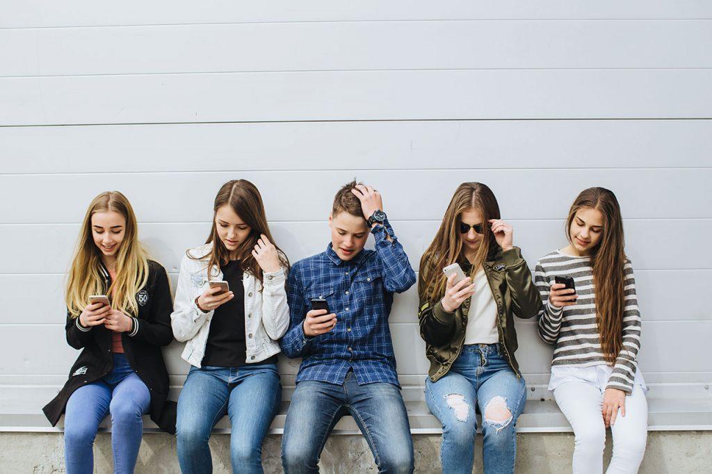Pokolenie Zkupuje, czyli najważniejszy kontakt zmarką
