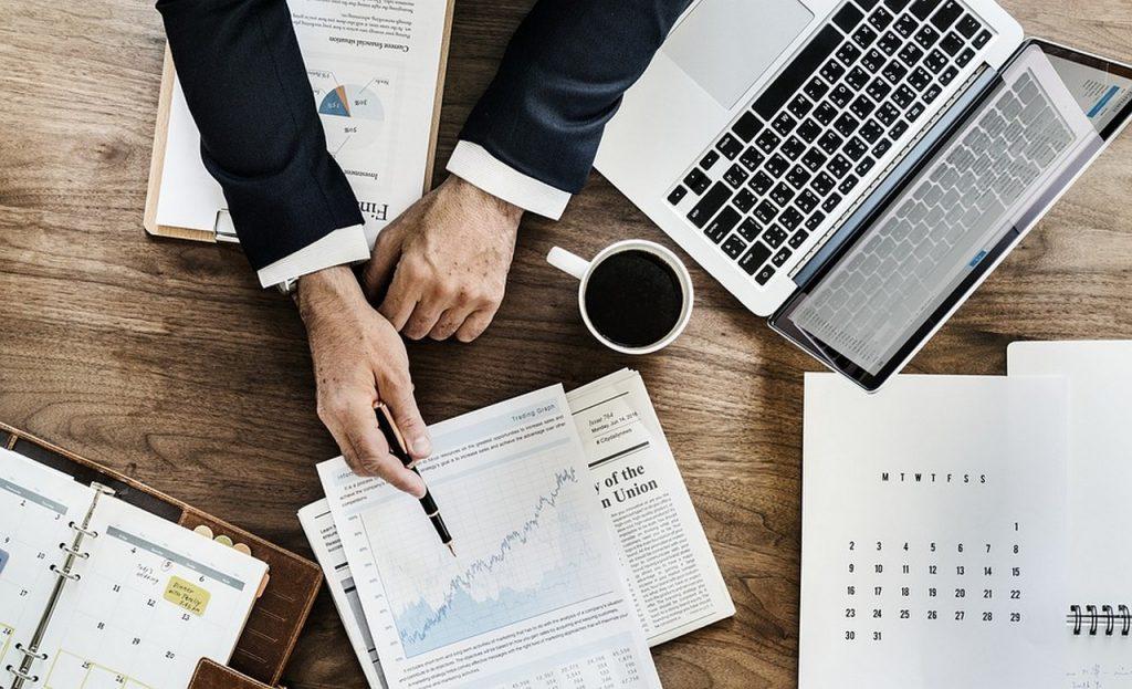 Outsourcing – czym jest idlaczego warto się naniego zdecydować